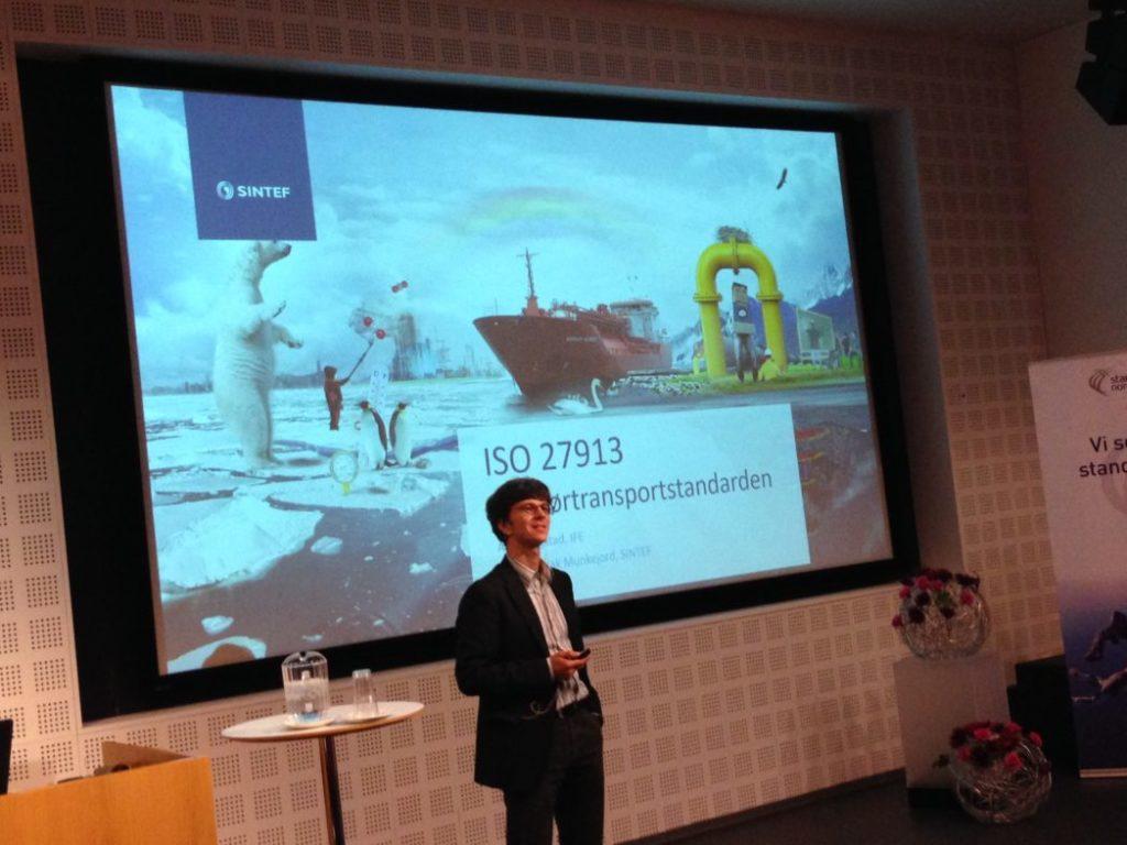 Svend Tollak Munkejord presenting the CO2 pipeline transport standard. Photo: Grethe Tangen.