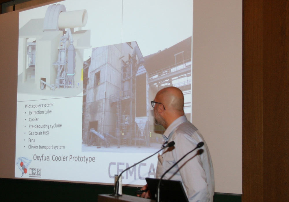 Robert Mathai presented the oxyfuel clinker cooler testing