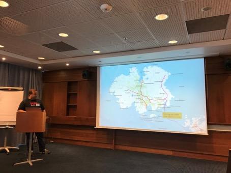 Kristian Finborud Hansen (Haugaland Kraft Nett) presenterer demoprosjektet Utsira Microgrid