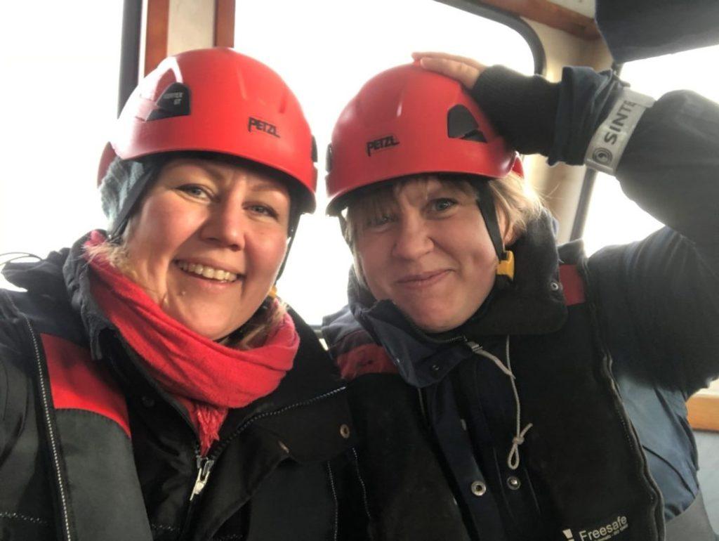 To kvinner på båt