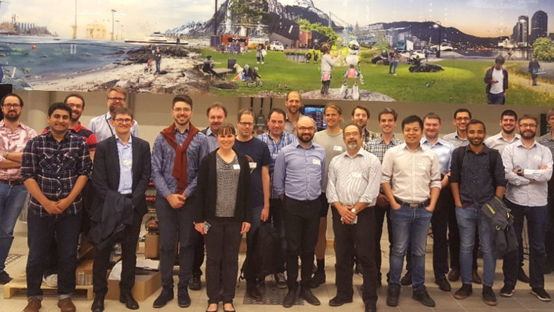 I mai 2018 var ERIGrids generalforsamling samlet i Trondheim. Her er de besøkende under omvisningen i Nasjonalt Smart Grid Laboratorium.
