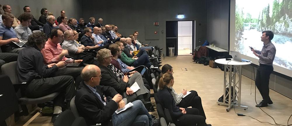 Knut Skogstrand Gjerden presenting