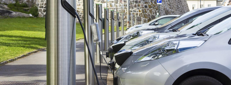 Norge er i dag det største markedet i verden for elektriske biler, sammenlignet med det totale antallet solgte elbiler. (Foto: Shutterstock)