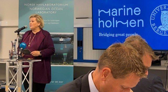 Erna Solberg taler